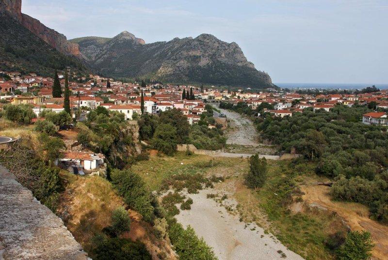 western of Leonidio