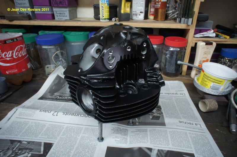 00098 Head painted black