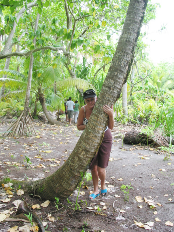 Lyn, peekaboo on beautiful lagoon motu (island)  093.jpg