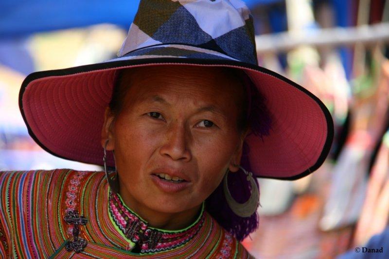 Can Cau Market : Flower Hmong.