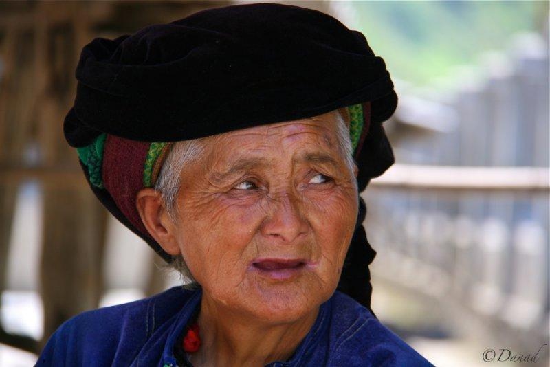 Blue Hmong on a market.