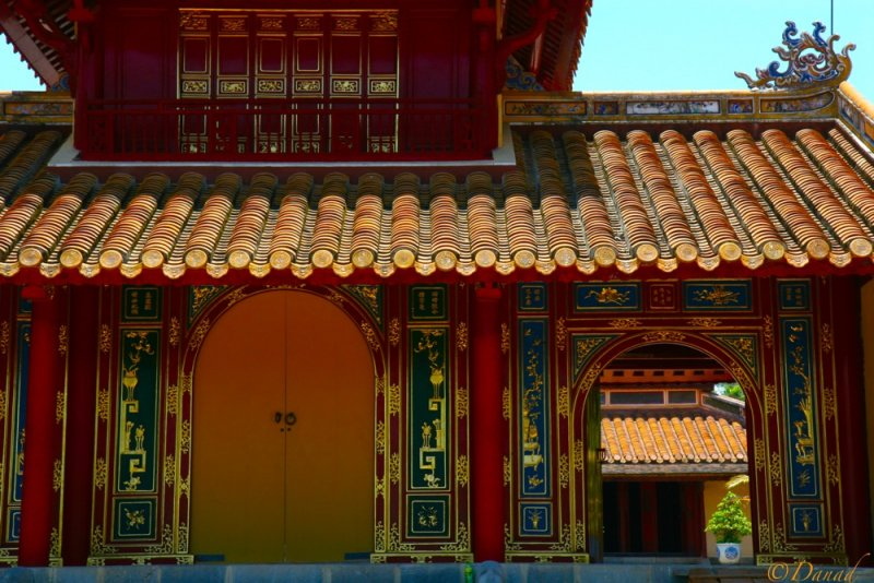 Ninhs Tomb - Hué