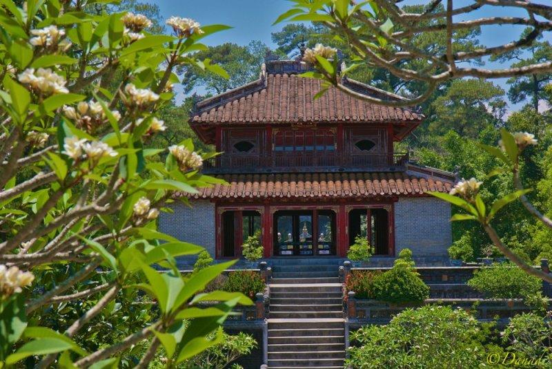 Hué : Ninh Mang Tomb.