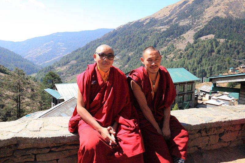 Thuptenchholing monks