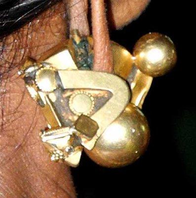 Pambadam - Snake earrings in Tamil Nadu. http://www.blurb.com/books/3782738