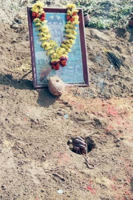 Saddhu buried alive for several hours near Karla Cave, Maharashtra