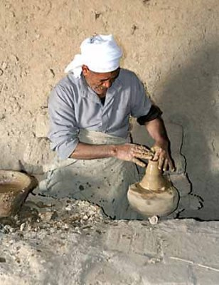 Potter in Al Qasr