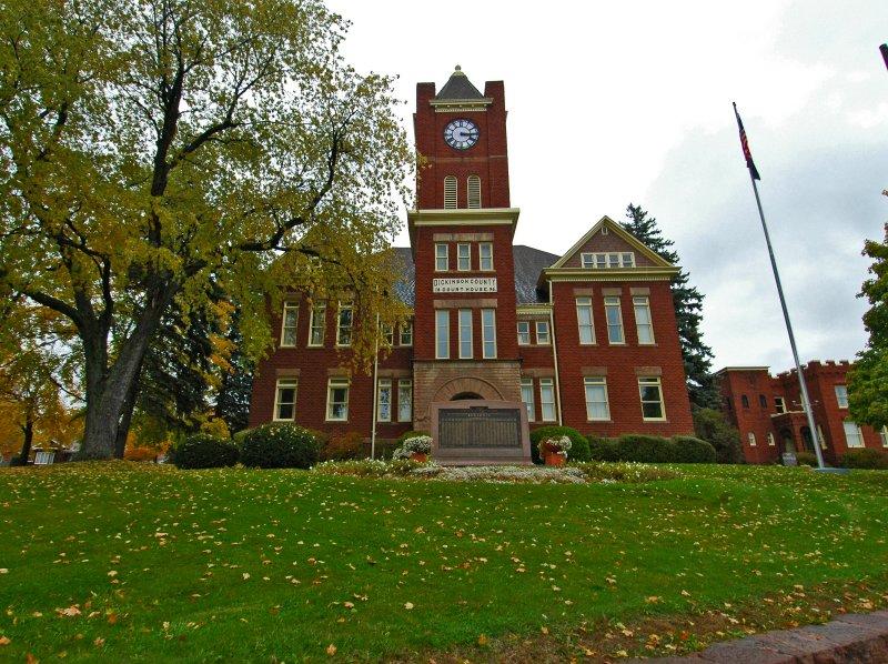Iron Mountain Courthouse