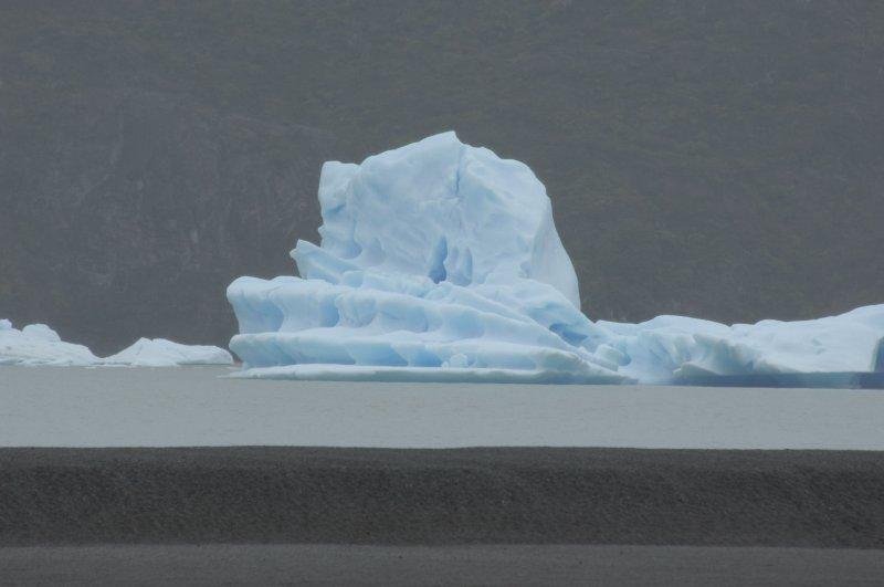 Lago Grey Torres del Paine.jpg