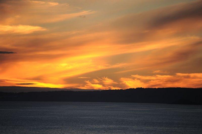 Sunset over Lake Villarrica Pucón Chile.jpg