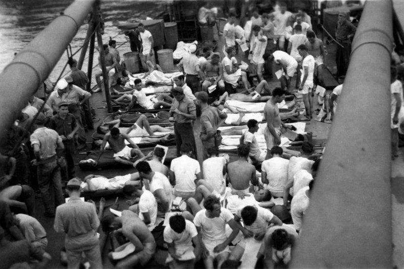 USS Indianapolis - Survivors on deck of the USS Bassett (3)