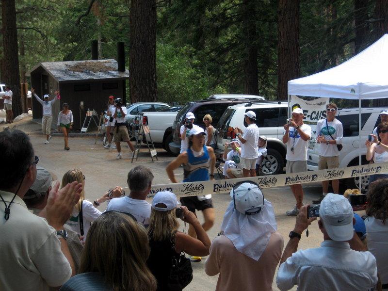 Scott Jurek finishes in 25:41