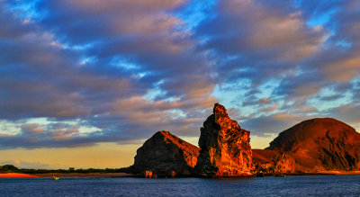Pinnacle Rock at sunset, Bartolome Island, The Galapagos, Ecuador, 2012