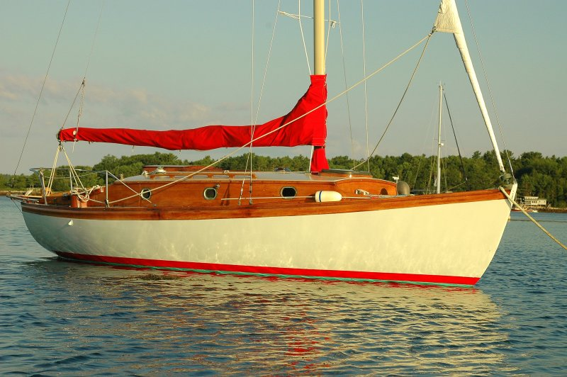 The Red & White Sloop
