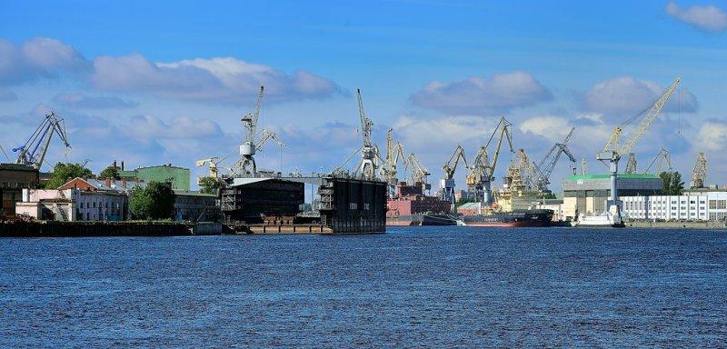 RUS_0007: St. Petersburg waterfront