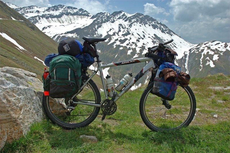 074  Saakje - Touring through Switzerland - Arrow Mohawk touring bike