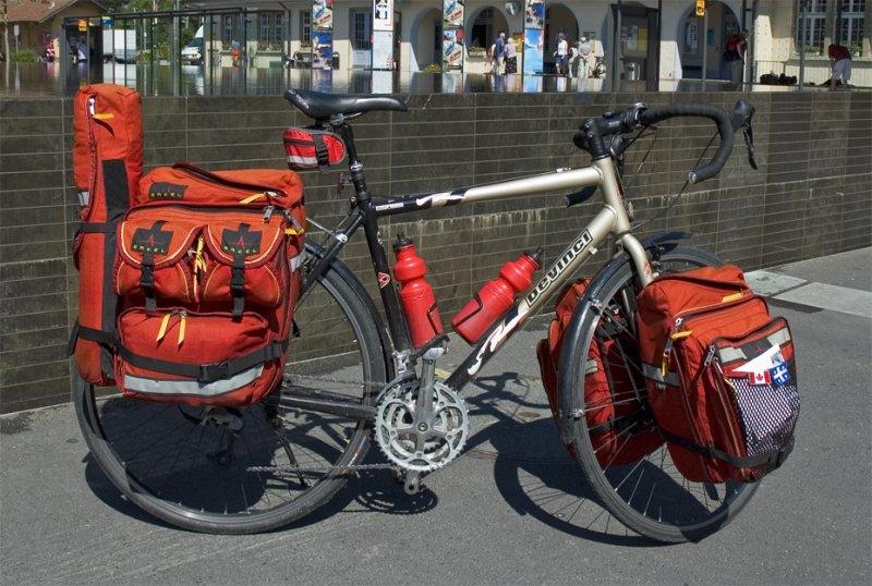 077  Marco - Touring Switzerland - Devinci Caribou touring bike