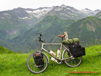 389    Ray touring France - Van Nicholas Pioneer touring bike