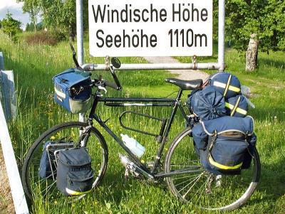 051  Harry - Touring Austria - Revell Romany touring bike