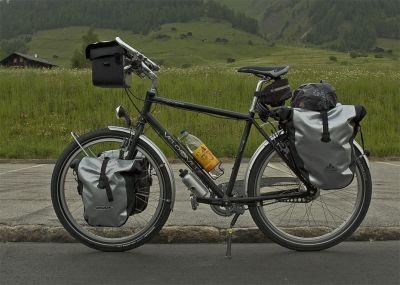 071  Matthias - Touring through Switzerland - Velo de Ville VDV400 touring bike