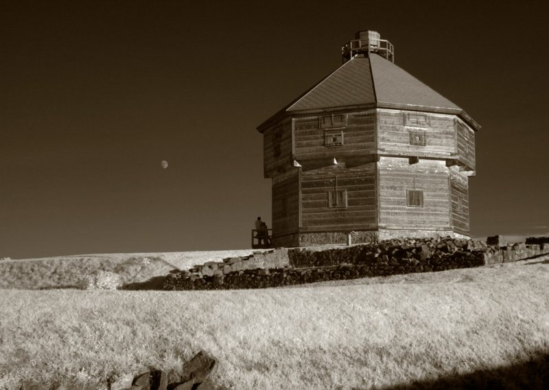 Moonwatch at Octagonal Fort