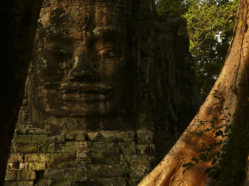 Face Angkor Thom.jpg