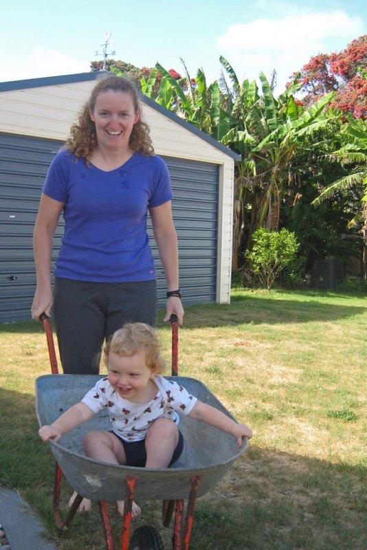 2 Jan  2010 Gardening fun IMG_0765.jpg