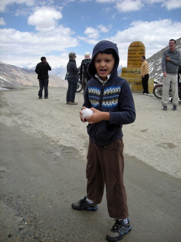 On Khardungla (18,830 above sea level), about to throw a snowball