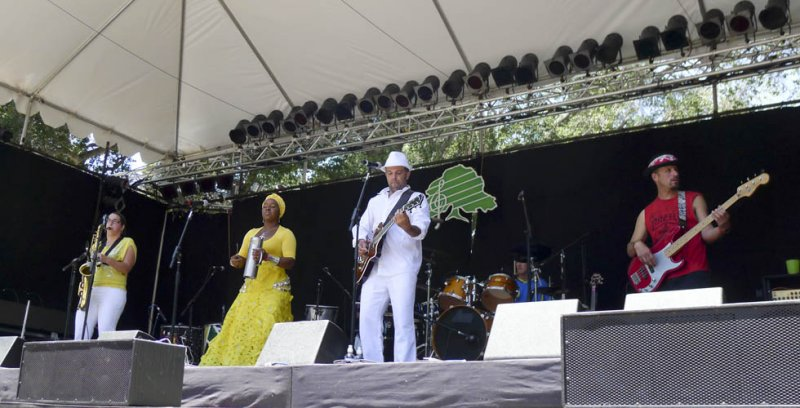 SambaDá takes over the main stage early Saturday afternoon