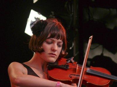 Kristin Weber fiddles
