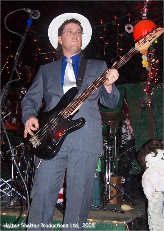 IHCB - Bill, Feels the Music - Halloween 2005.jpg