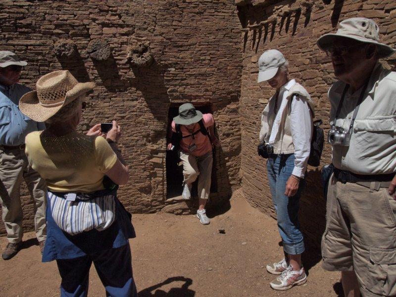 P5133767 Tight Fit at Pueblo Bonito