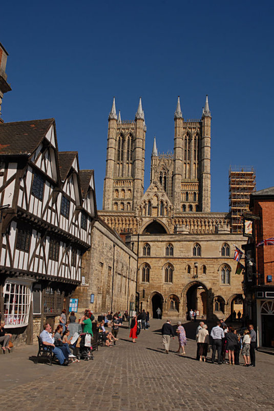 The tourist side of Lincoln.