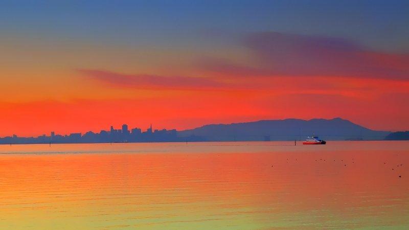 Ferry returning to San Francisco