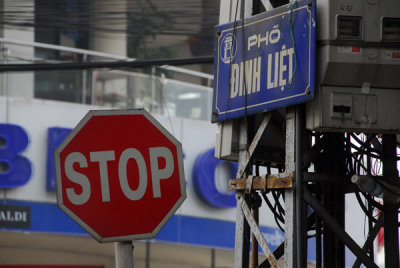 Stop sign, Pho Dinh Liet, Hanoi