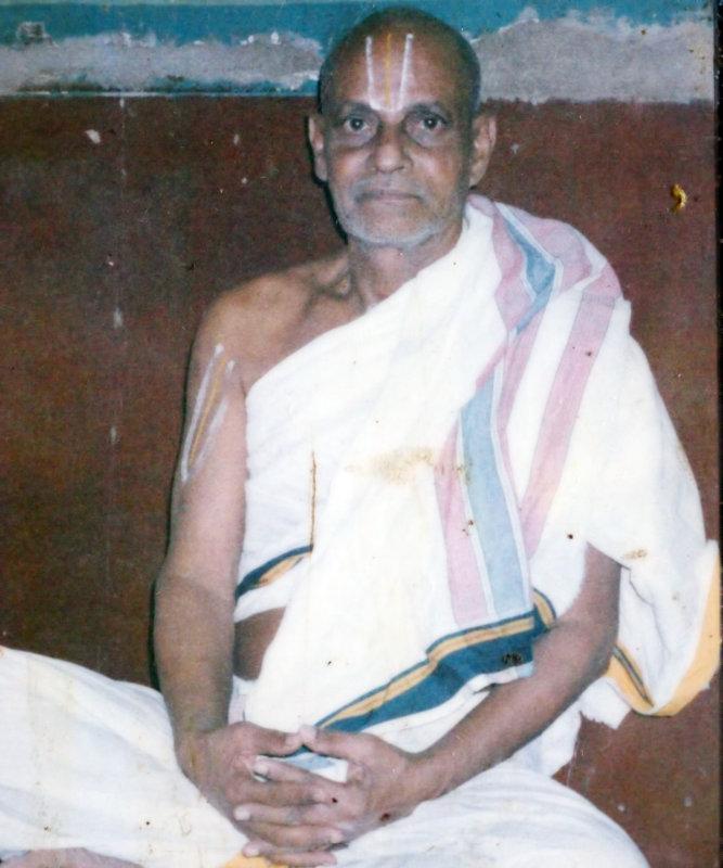Vaikuntavaasi Pazhaveri Sri U.Ve. Rajagopalachar Swami
