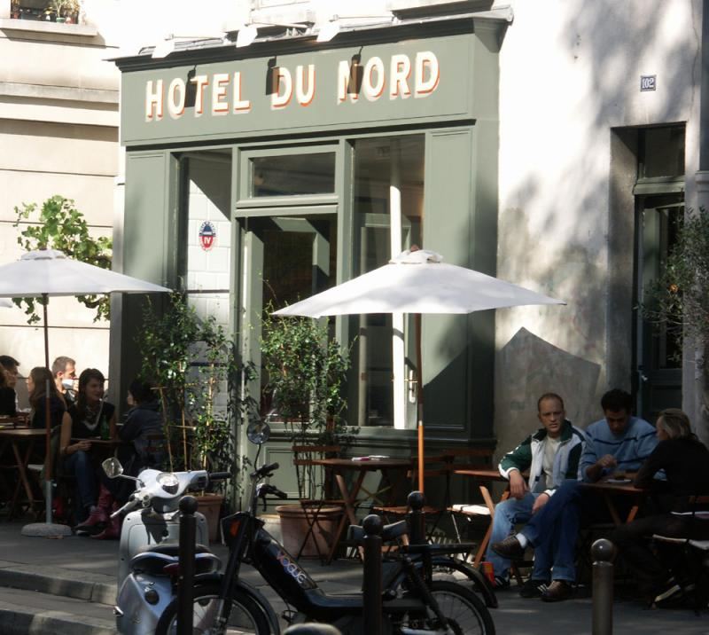 HOTEL DU NORD - SOUVENIRS : ATMOSPHERE, ATMOSPHERE
