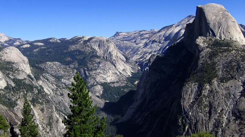 Zoom-in on valley portion of image. #2822cr