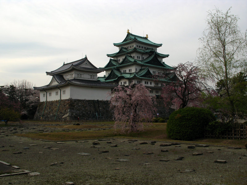 View over the ruins of the Honmaru