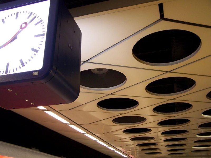 Schipol Airport train platform