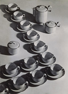 Ladislav Sutnar cups and saucers 1928-36