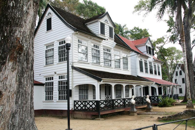 Wooden buildings of the historical city center - Houten gebouwen in het historisch stadscentrum