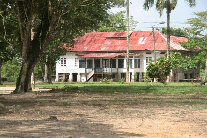The former residence of the manager  -  Vroeger het woonhuis van de directeur