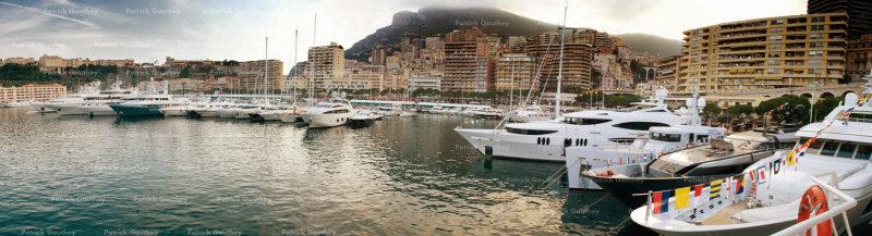 yacht hop 9795801.jpg