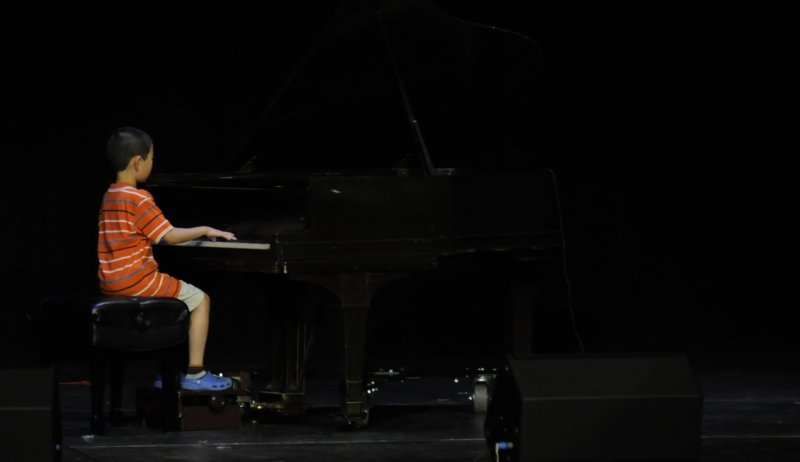 Richie Sheng, pianist, performs at Pocatellos Got Talent July 2011 _DSC8563.jpg