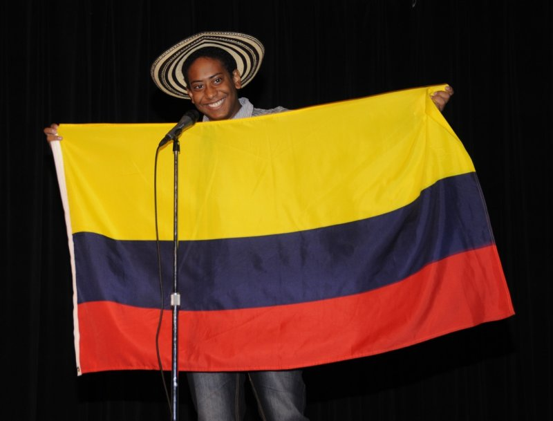 international night 2011 flag bearer _DSC1690.jpg