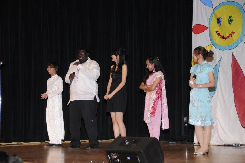 International Night 2011 The Hosts _DSC1656.jpg