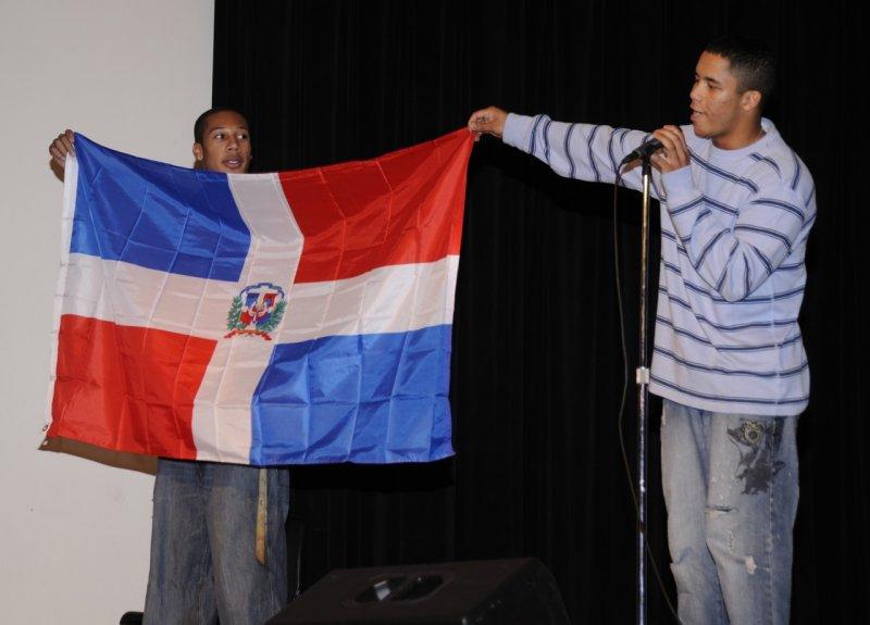 ISU International Night 2011 flag bearers _DSC1692.jpg