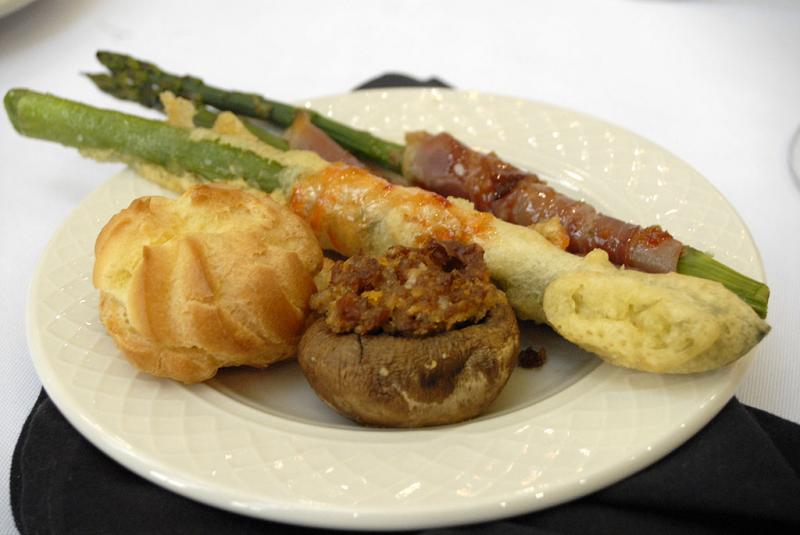 appetizers at ISU Honors Program Banquet _DSC0389 smallfile.jpg