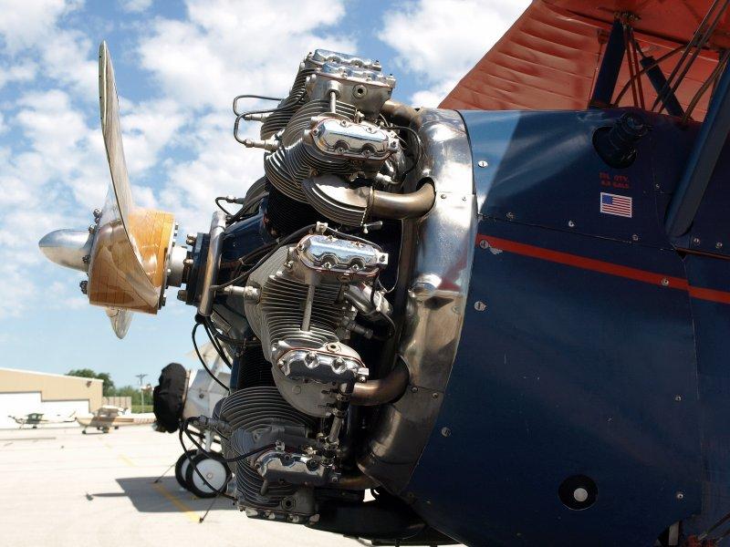 23 - Travel Air 4000-Engine.jpg